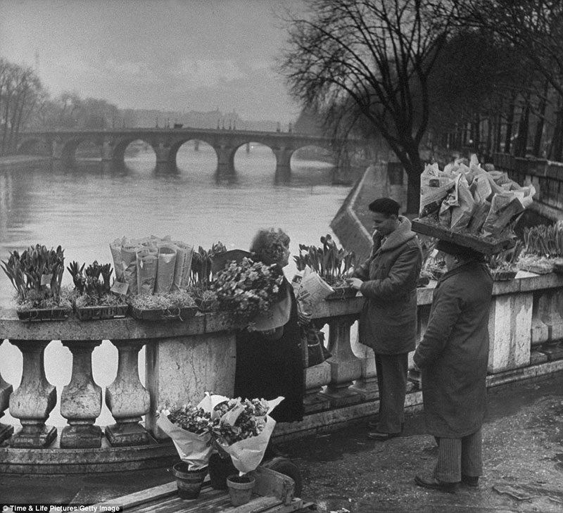 Vintage Paris in 1946