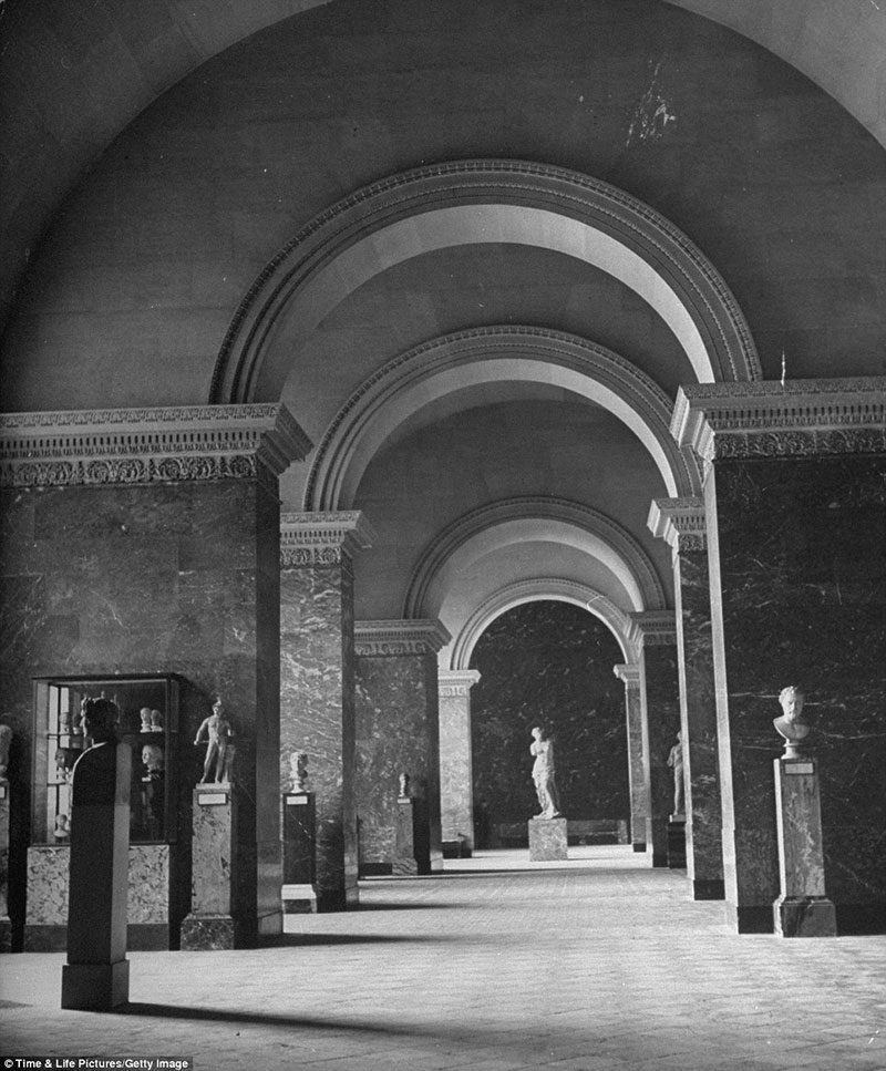 The Louvre in 1946