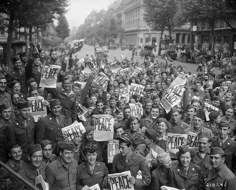 Americans in Vintage Paris