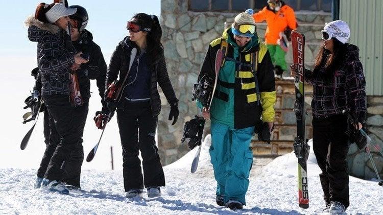Everyday iran skiers