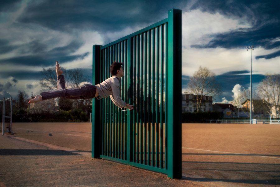 Mickael Jou green fence
