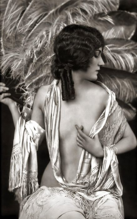 Ziegfeld Follies Feather