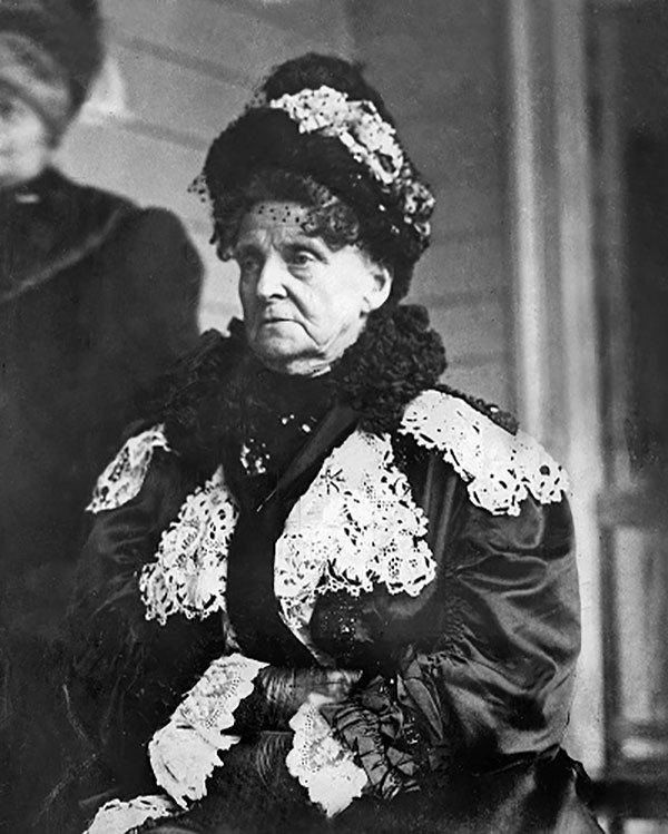 eccentric-people-hetty-dress - History's Most Eccentric People - History