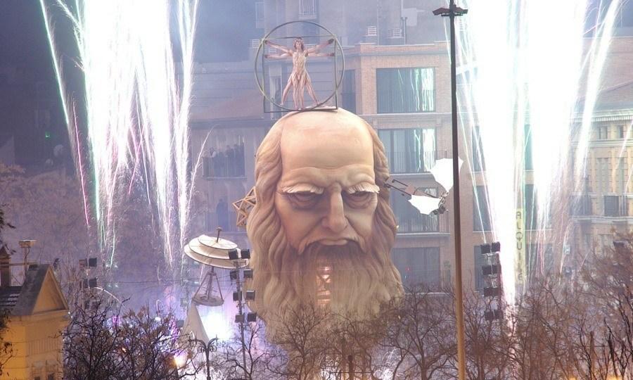 Las Fallas Da Vinci Face