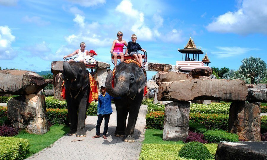 nong nooch elephant rides