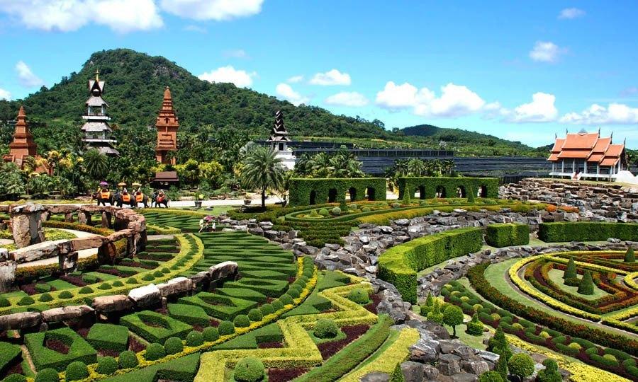 Inside The Acid Dream That Is Thailand 39 S Nong Nooch Garden