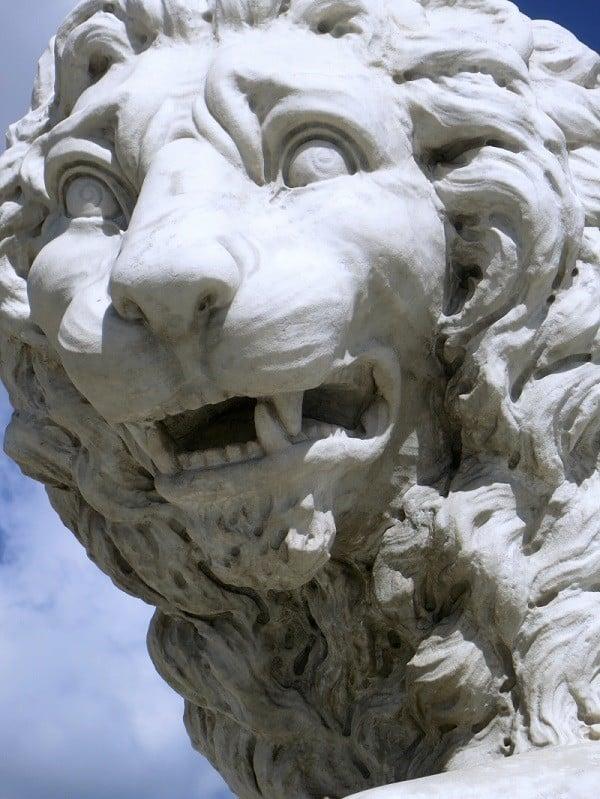 Lions Bridge in Florida