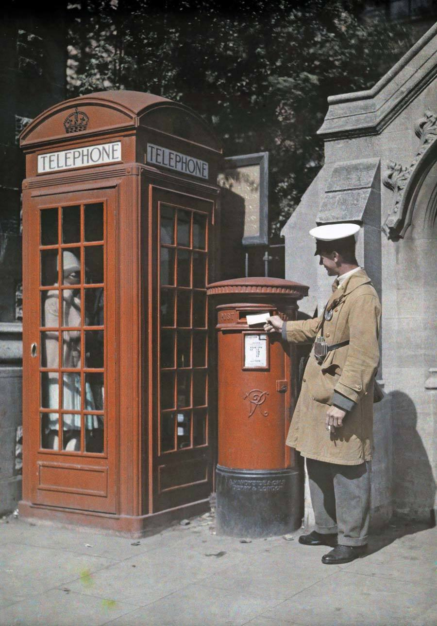 england in color phone booth