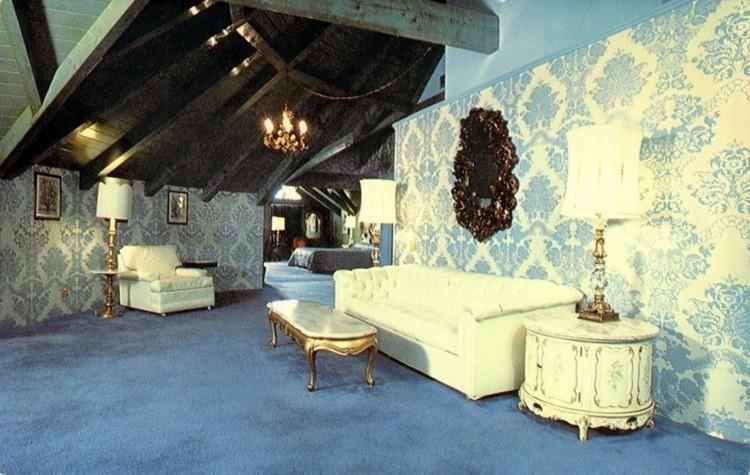 madonna inn austrian suite