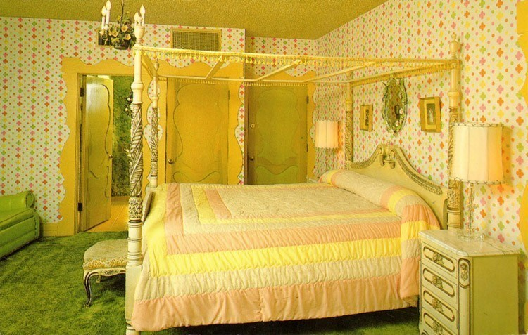 madonna inn yellow room