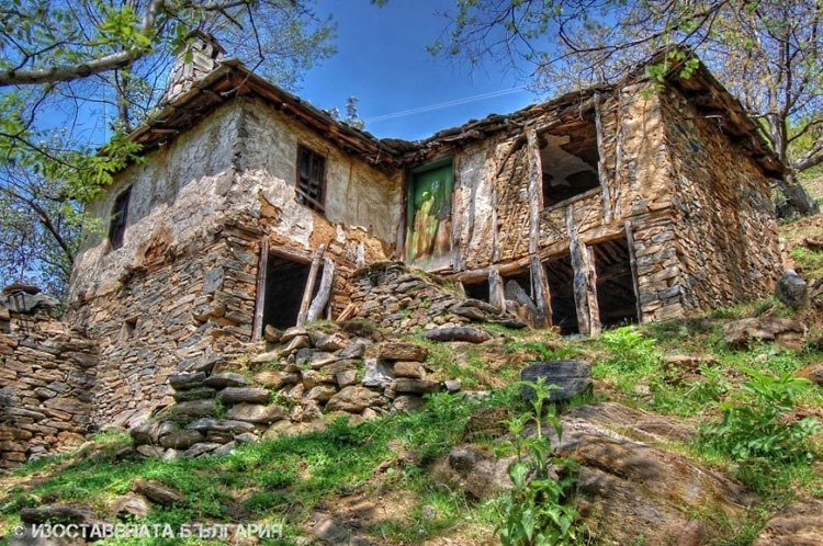 abandoned bulgaria rock house