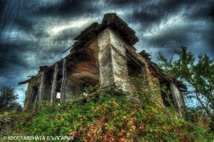 abandoned bulgaria spooky shack