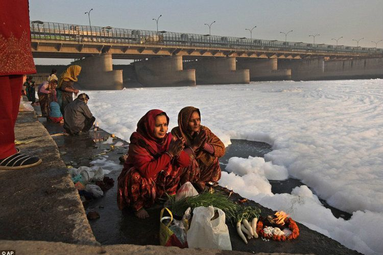 Most Polluted City Yamuna River Offerings