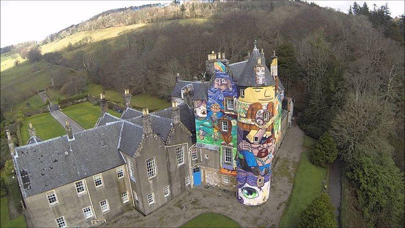 Os Gemos Kelburn Castle