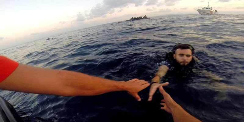 Migrants off Turkish coast