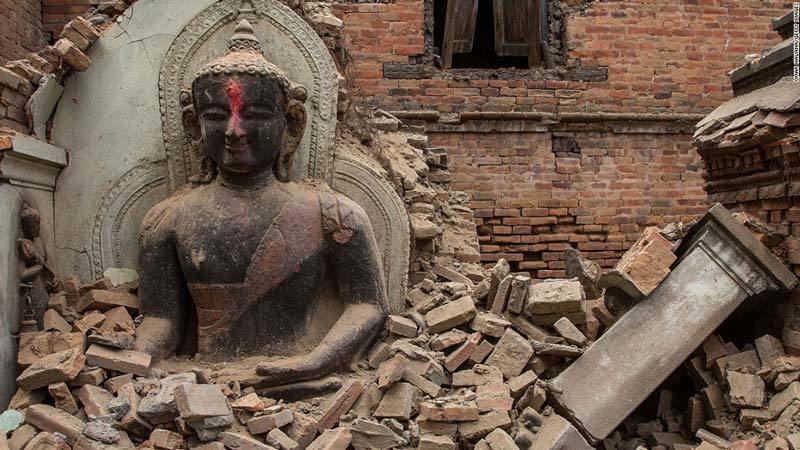 Nepal earthquake Buddha is destroyed