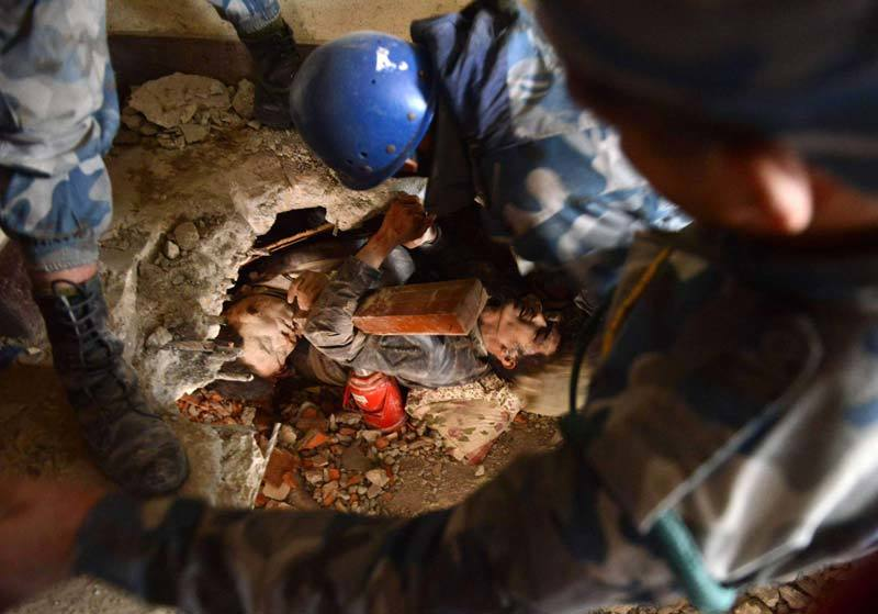 Two earthquake victims, one dead