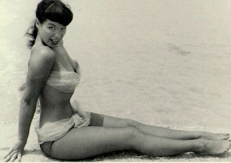 pinup history bettie page