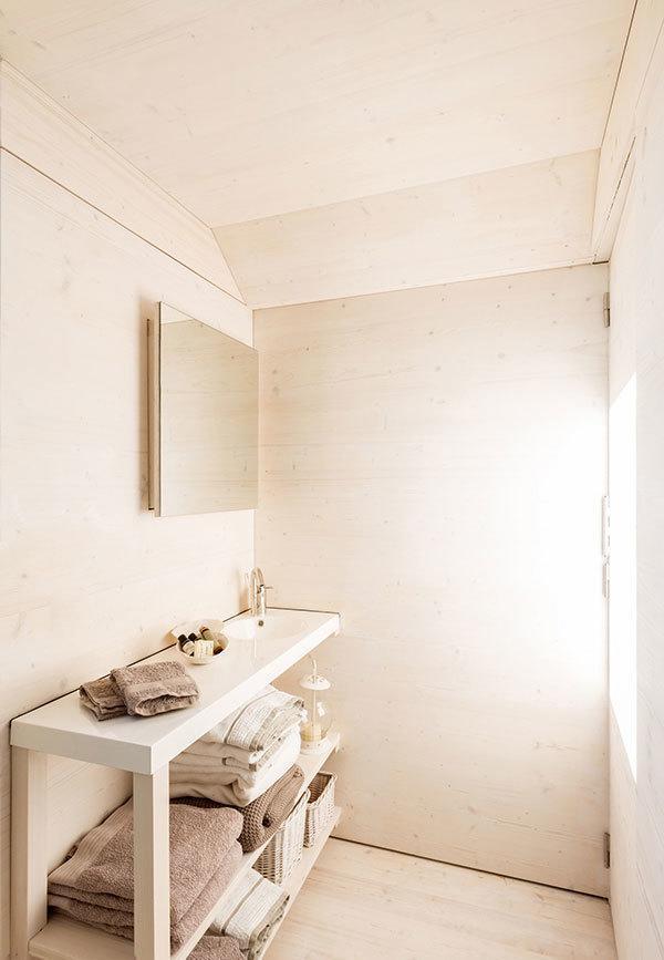 APH80 Bathroom