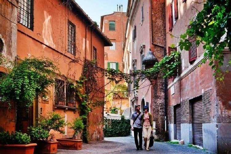 Via Margutta Couple