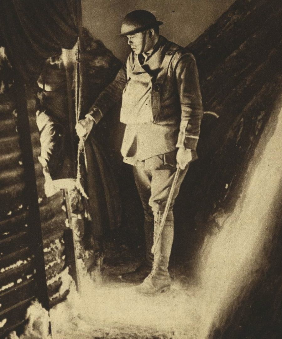 WW1 Photos Standing Soldier