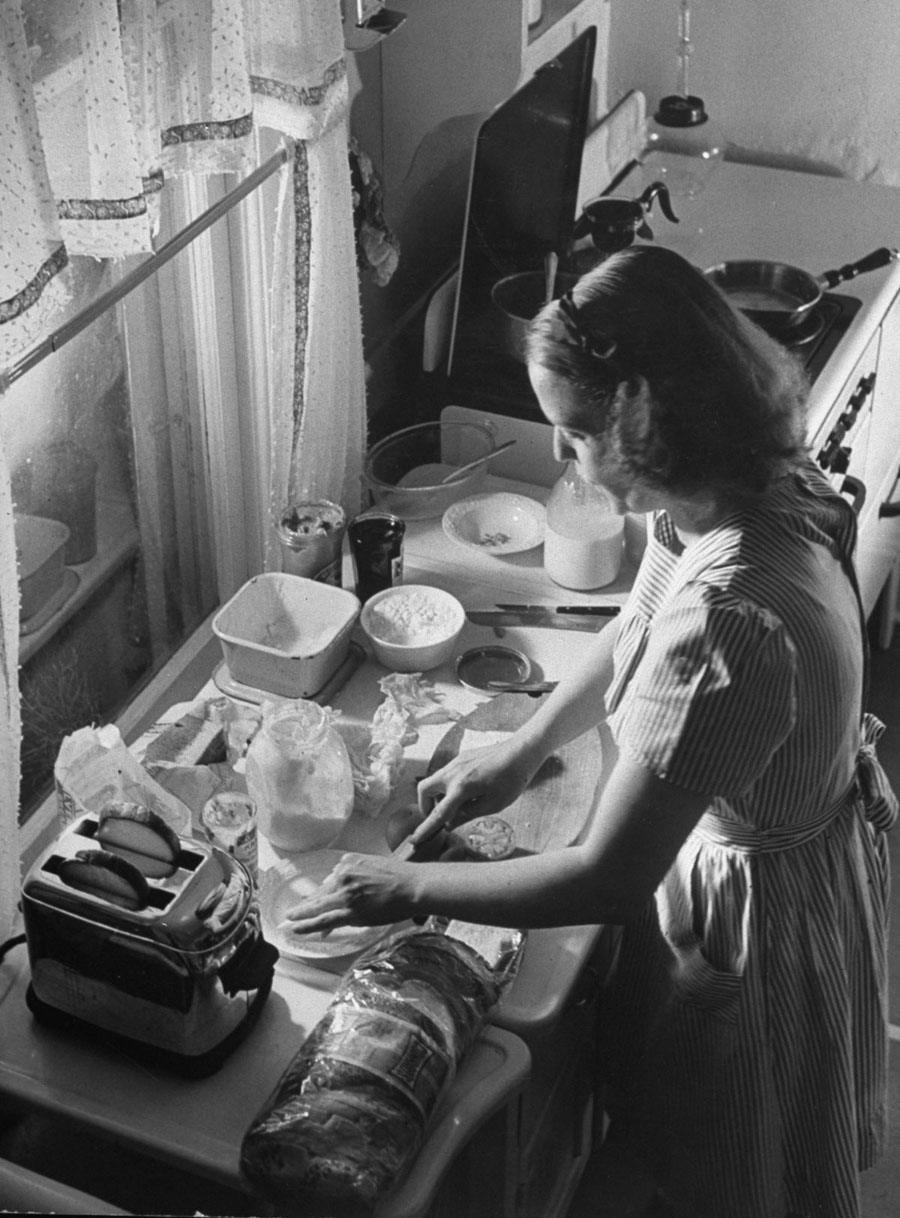 american mother 1941 cooking
