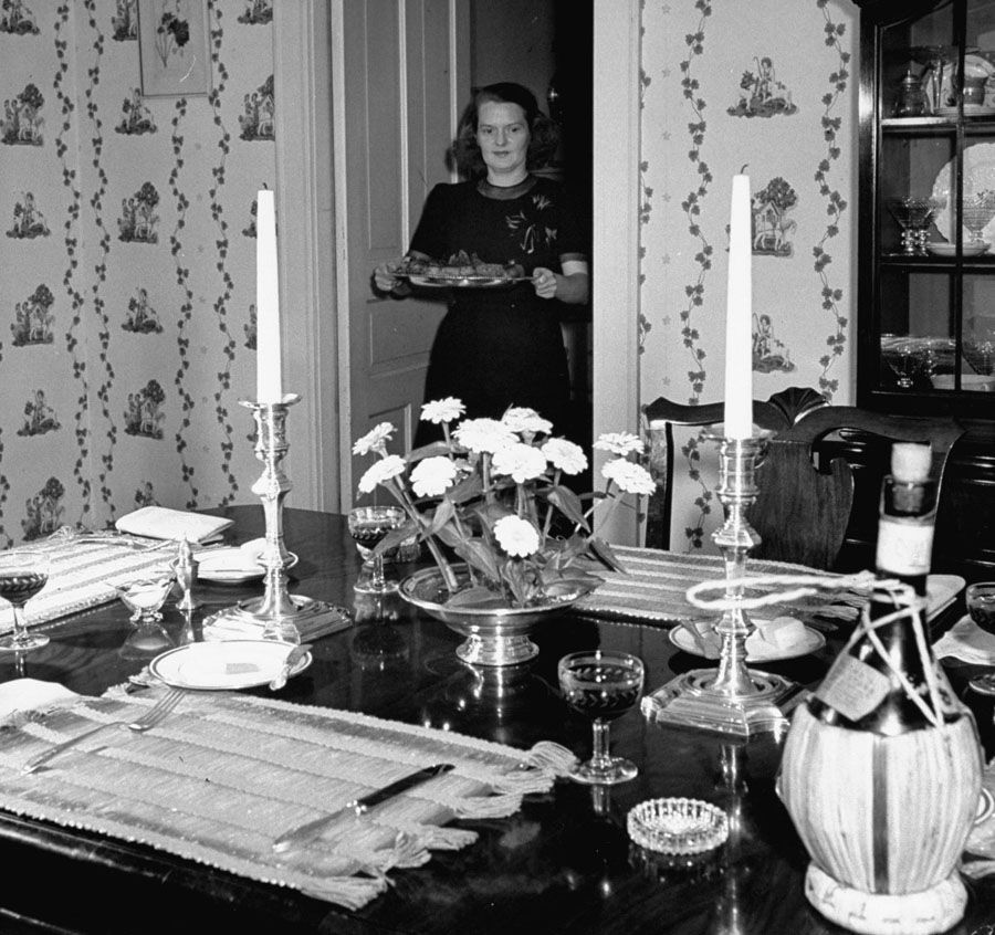 american mother 1941 dinner serving