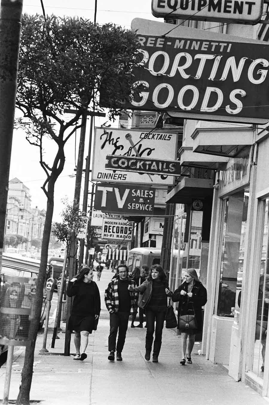 haight ashbury 1967 friends walking