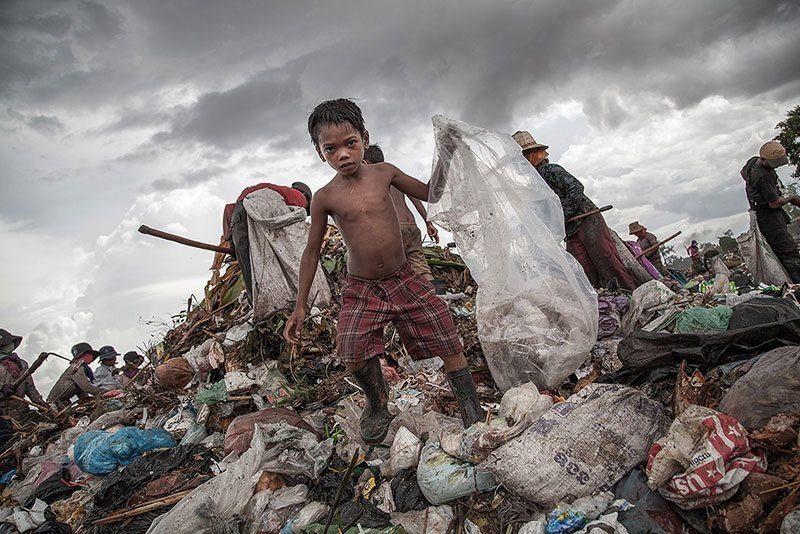 Child Laborers Near Cambodia