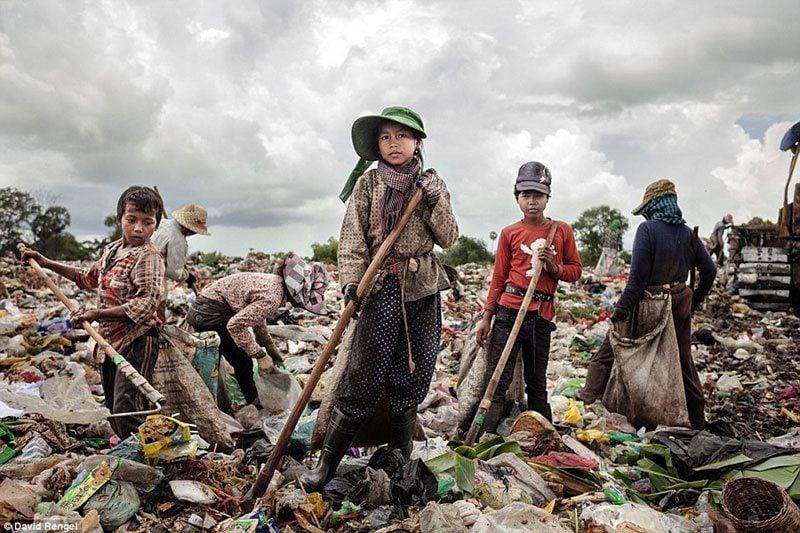 Children at Anlong Pi Wasteland