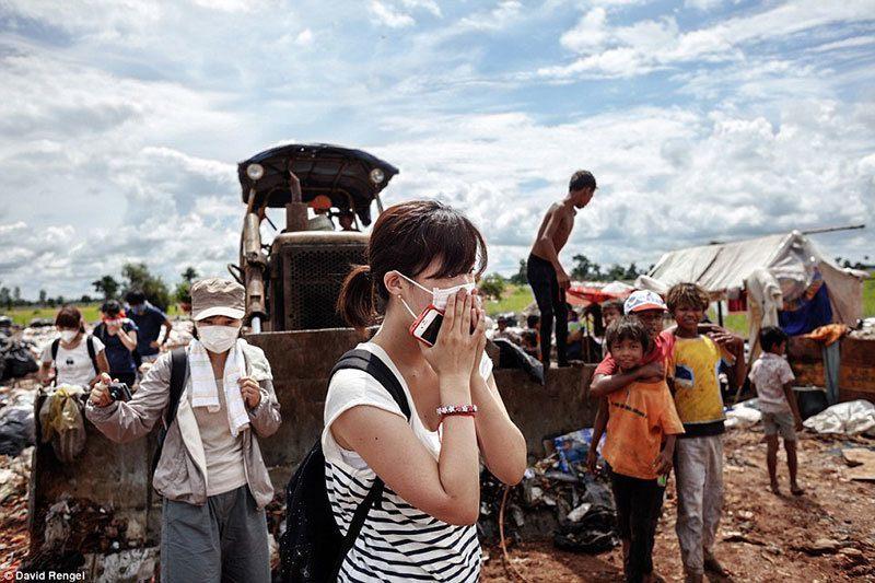 Tourists Gawk at Anlong Pi