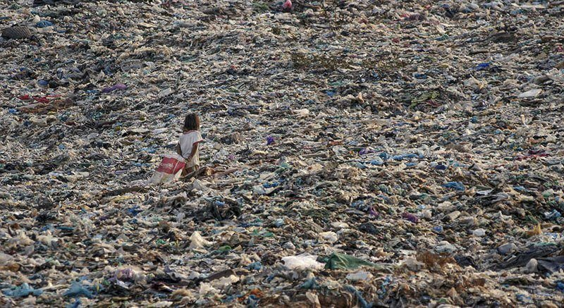 Children Sea of Trash