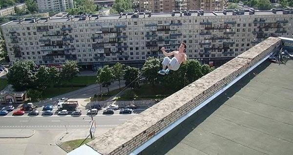 death-pictures-parkour-flip-og