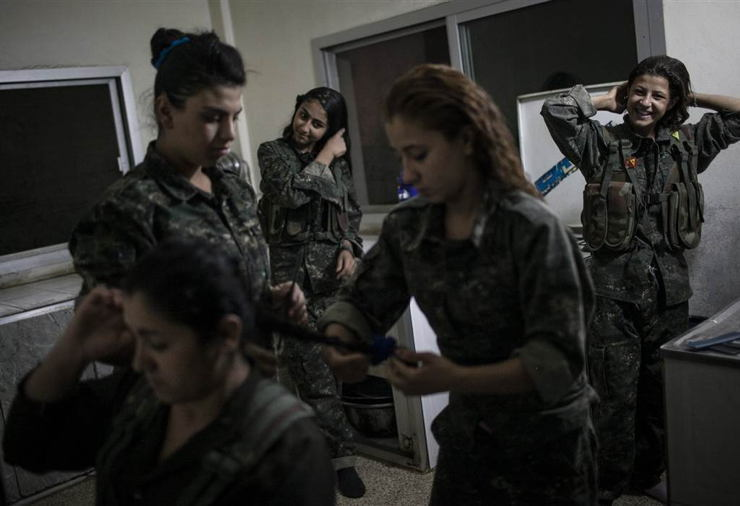 Female ISIS Fighters Doing Hair