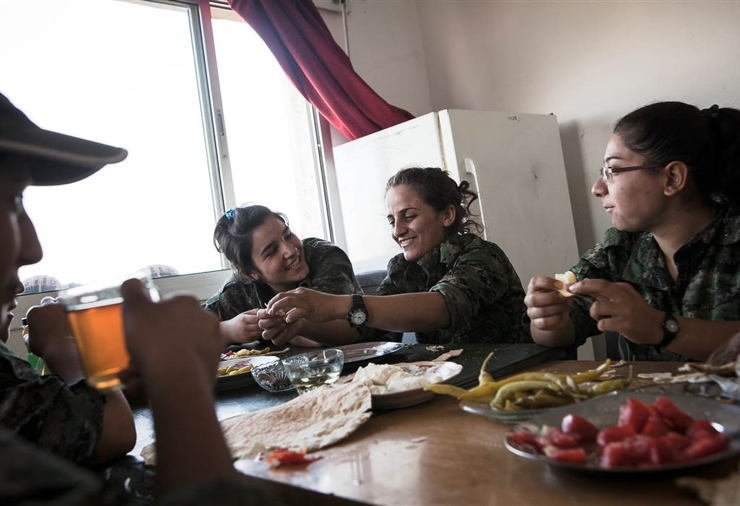 Female ISIS Fighters Eating