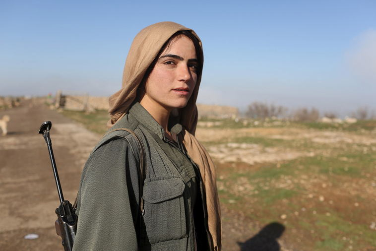 Female ISIS Fighters Mount Sinjar