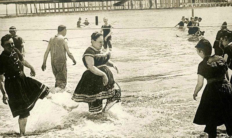 1800s Swimwear