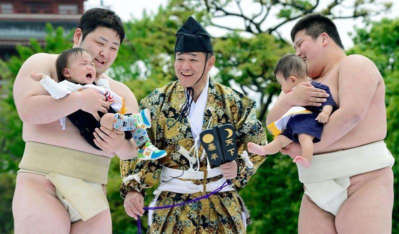 Sumo Babies Cry at Nakizumo