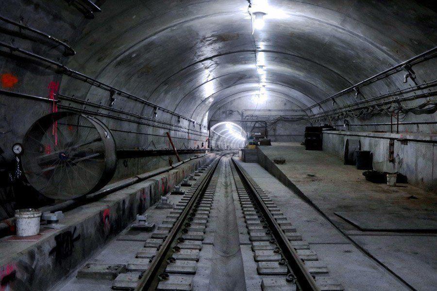 new york subway tline tunnel
