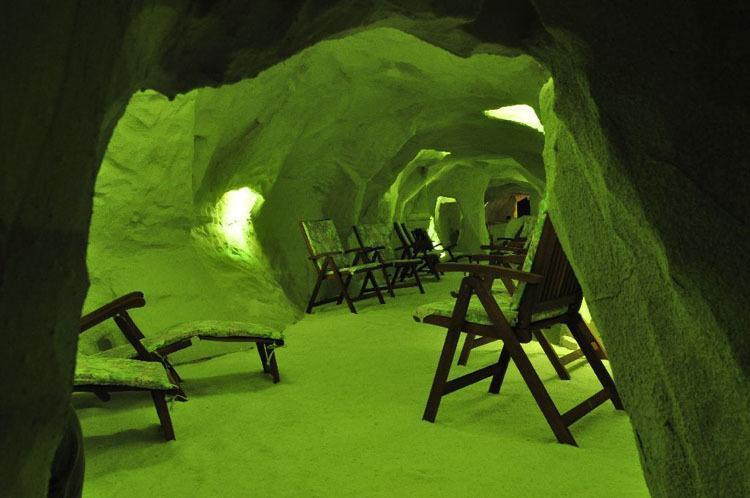 salt caves hungary