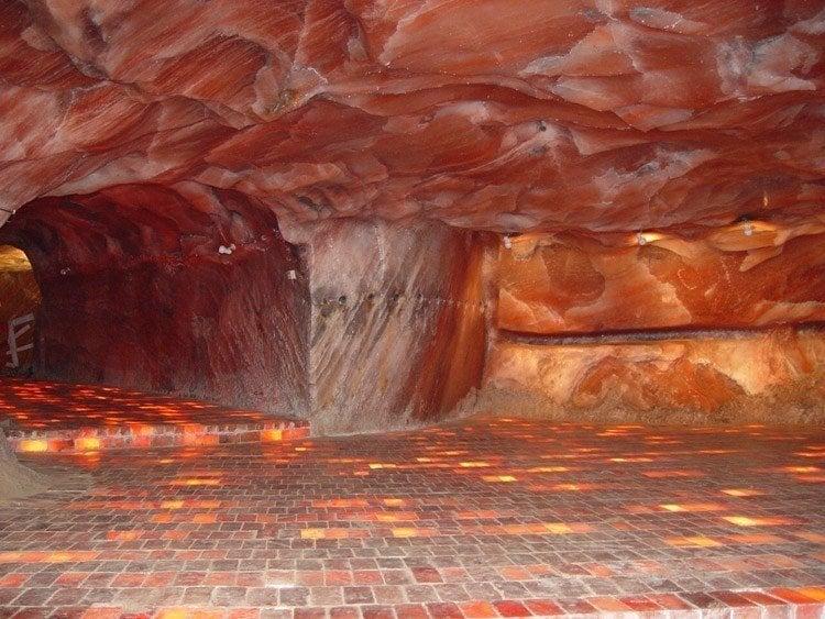 salt caves pink himalayan
