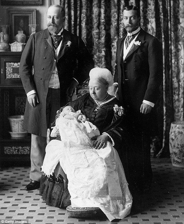 Vintage Queen Victoria Pictures