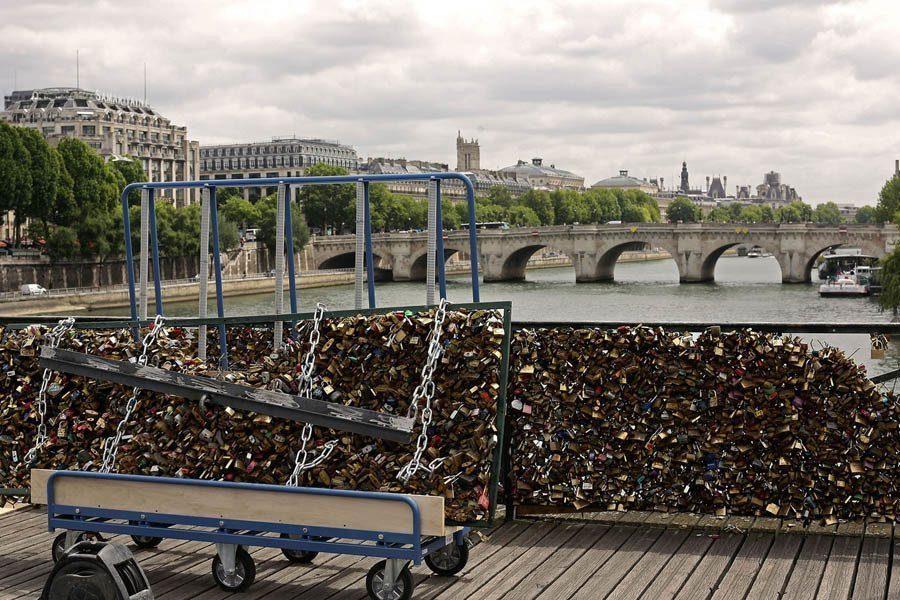 paris love locks overlook