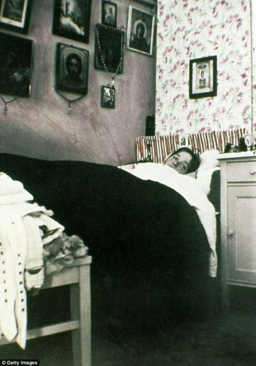Romanov Last Days Olga Bed