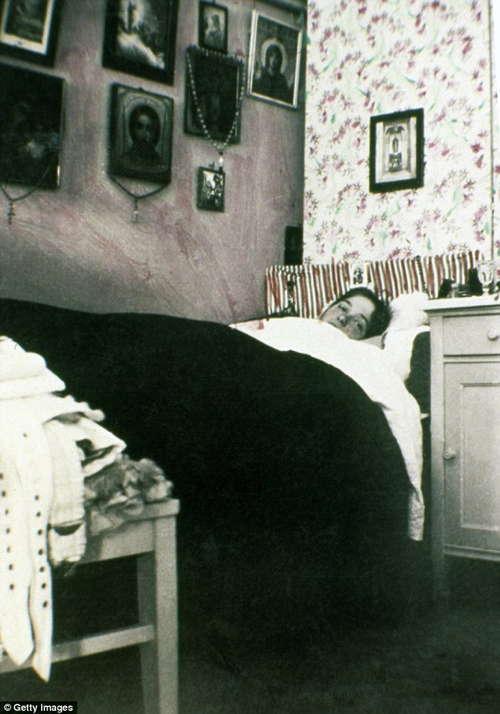 Romanov Last Days Olga Bed