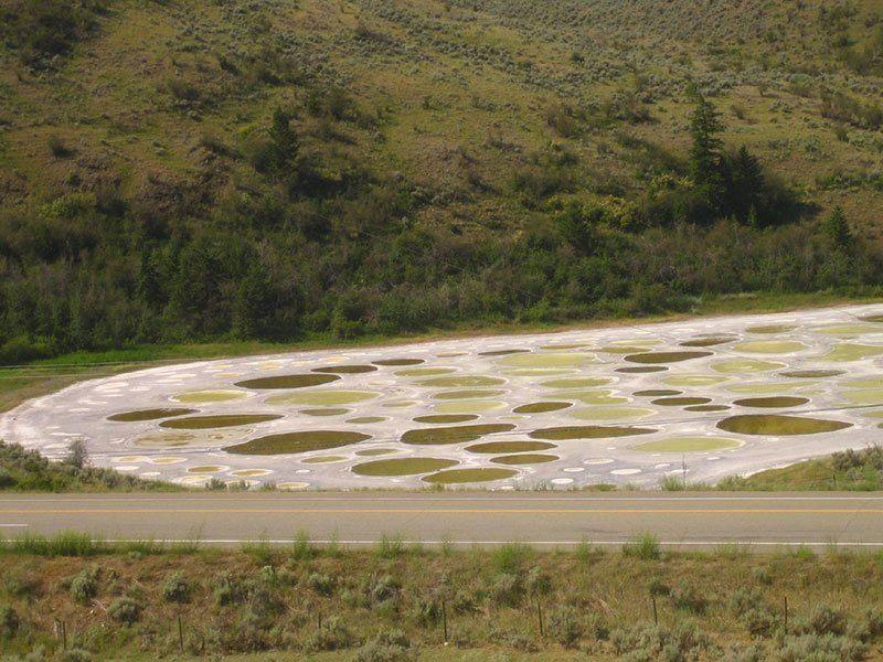 World's Most Bizarre Lakes