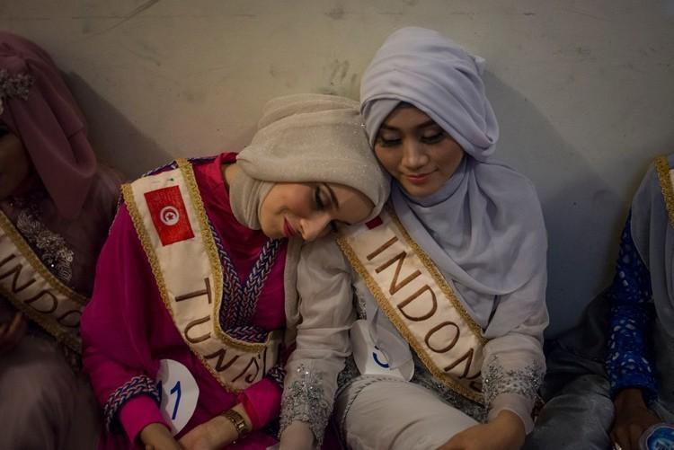 Miss muslimah backstage