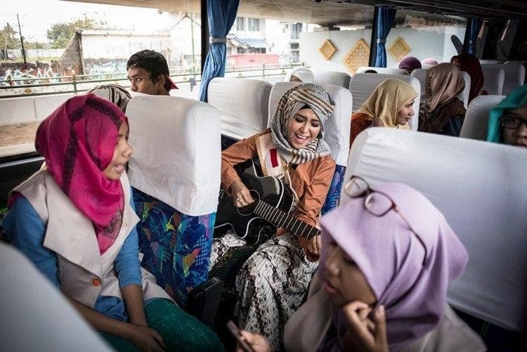 Miss muslimah guitar