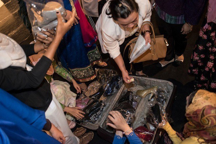 Miss muslimah shoe suitcase