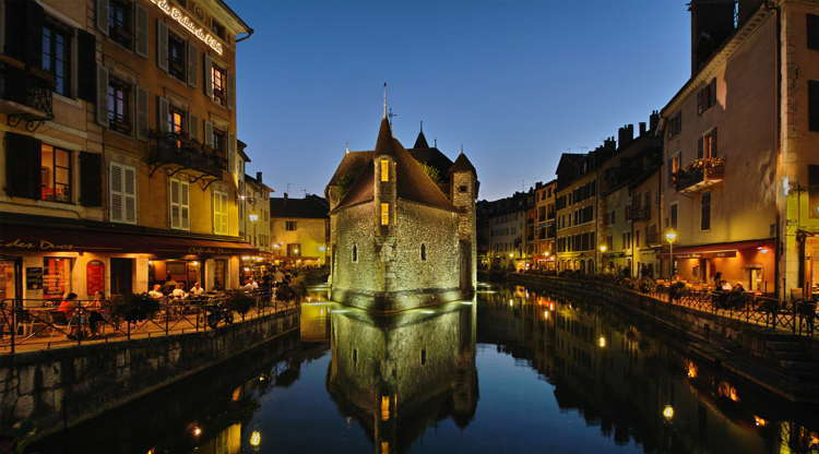 Beautiful Towns Annecy Night